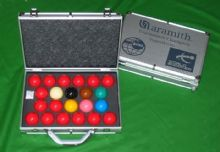 ARAMITH SUPERPRO 1G SET WORLD CHAMPIONSHIP SNOOKER TABLE BALLS IN ALUMINIUM CASE